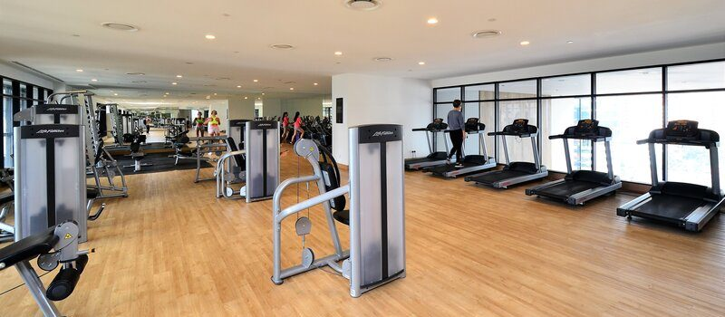 advantages and disadvantages of treadmill use for exercise